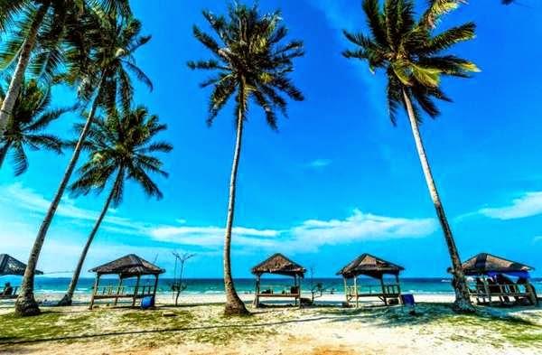 http://gallery-wisata.blogspot.com/2015/04/tempat-wisata-paling-populer-di-pulau-bintan.html