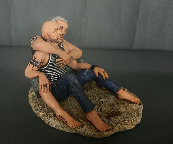 statuine personalizzate abbraccio regali originali creazioni regalo orme magiche