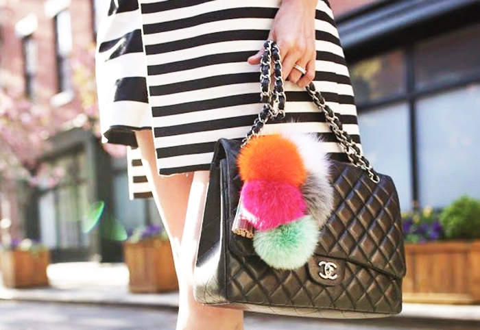 POM-POM-BAG-CHARM-FASHION-TREND-TALESTRIP