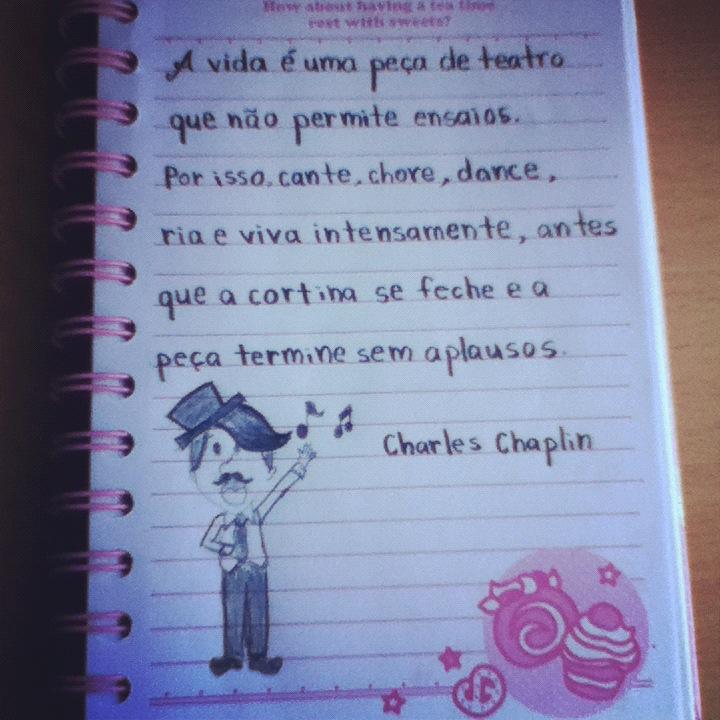 Jéssica Yoshizawa Frase De Chales Chaplin