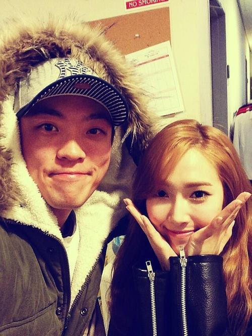 [Pictures] 130428 Sunny and Jessica Selca with Friends