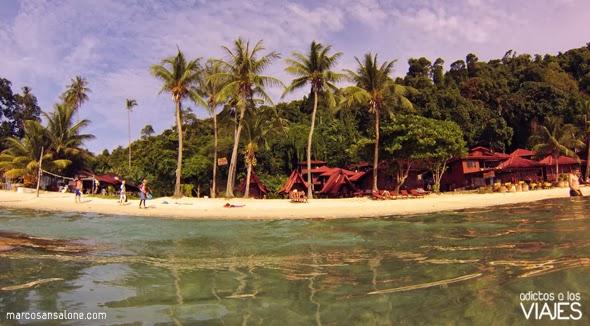 playa en Perhentian Kecil