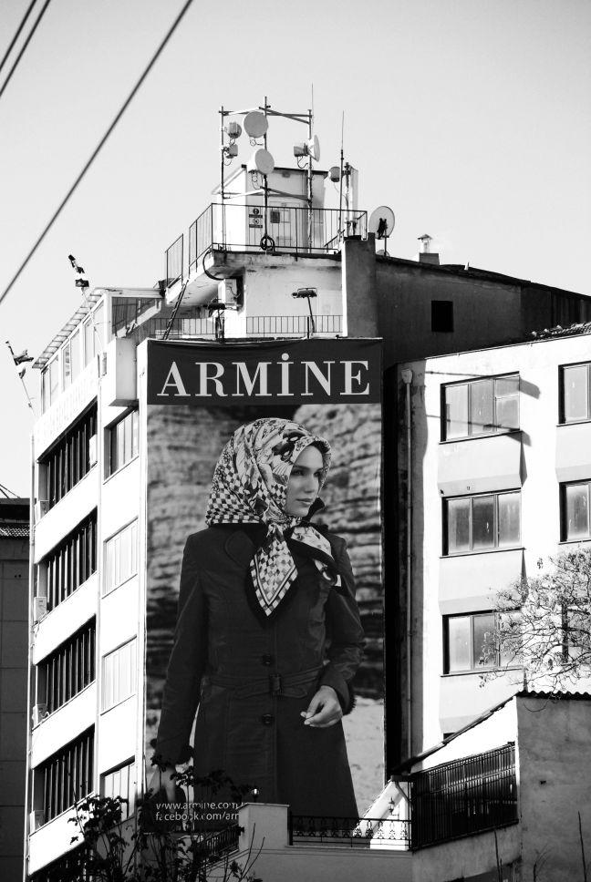 Lo sciame inquieto istanbul citt sospesa tra passato e for Palazzi davvero grandi