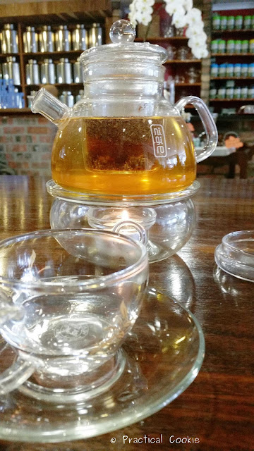 O'ways Tea Cafe Tea Pot with Tealight Candle Underneath