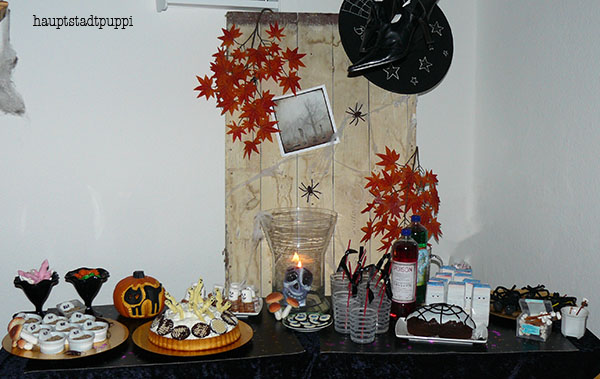 Halloween Sweet Table by Hauptstadtpuppi