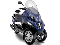 2013 Piaggio MP3 400 Scooter pictures - 1