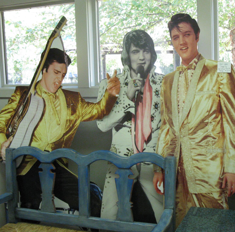 Elvis left the building 34 years ago  sc 1 st  Eccentric Roadside & Eccentric Roadside: August 2011