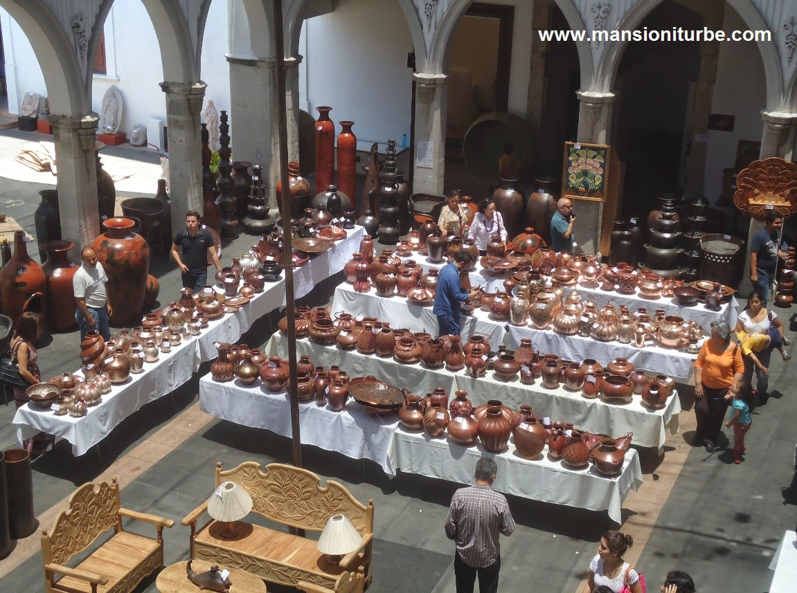Concurso Artesanal de Domingo de Ramos en Uruapan en la Casa de la Cultura