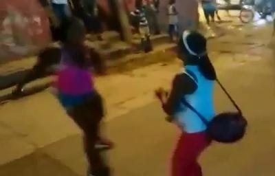 Pelea a Muerte entre Dos Mujeres