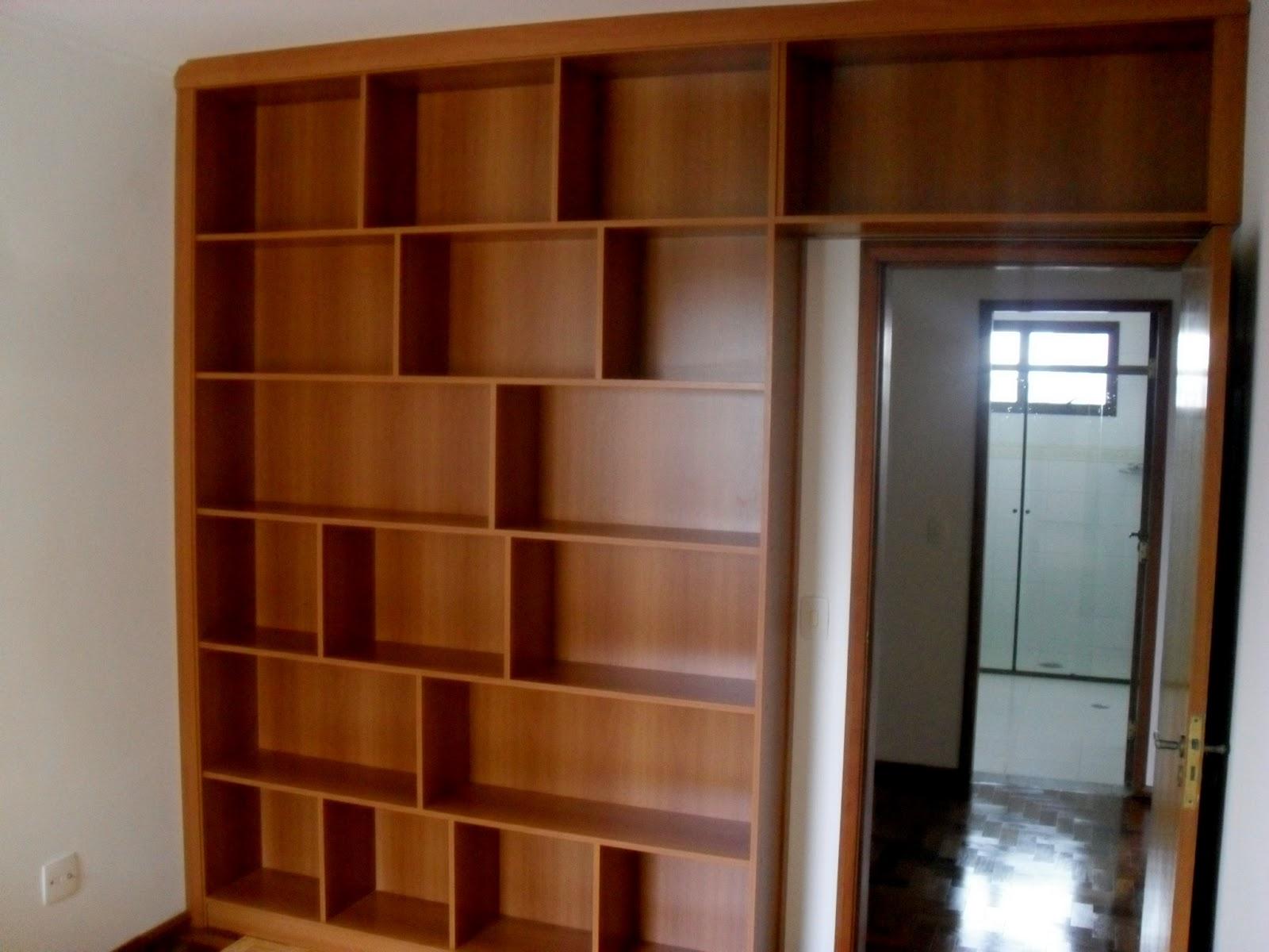 Foto: Estante para organizar livros. Amadeirado sempre mostra  #703711 1600x1200