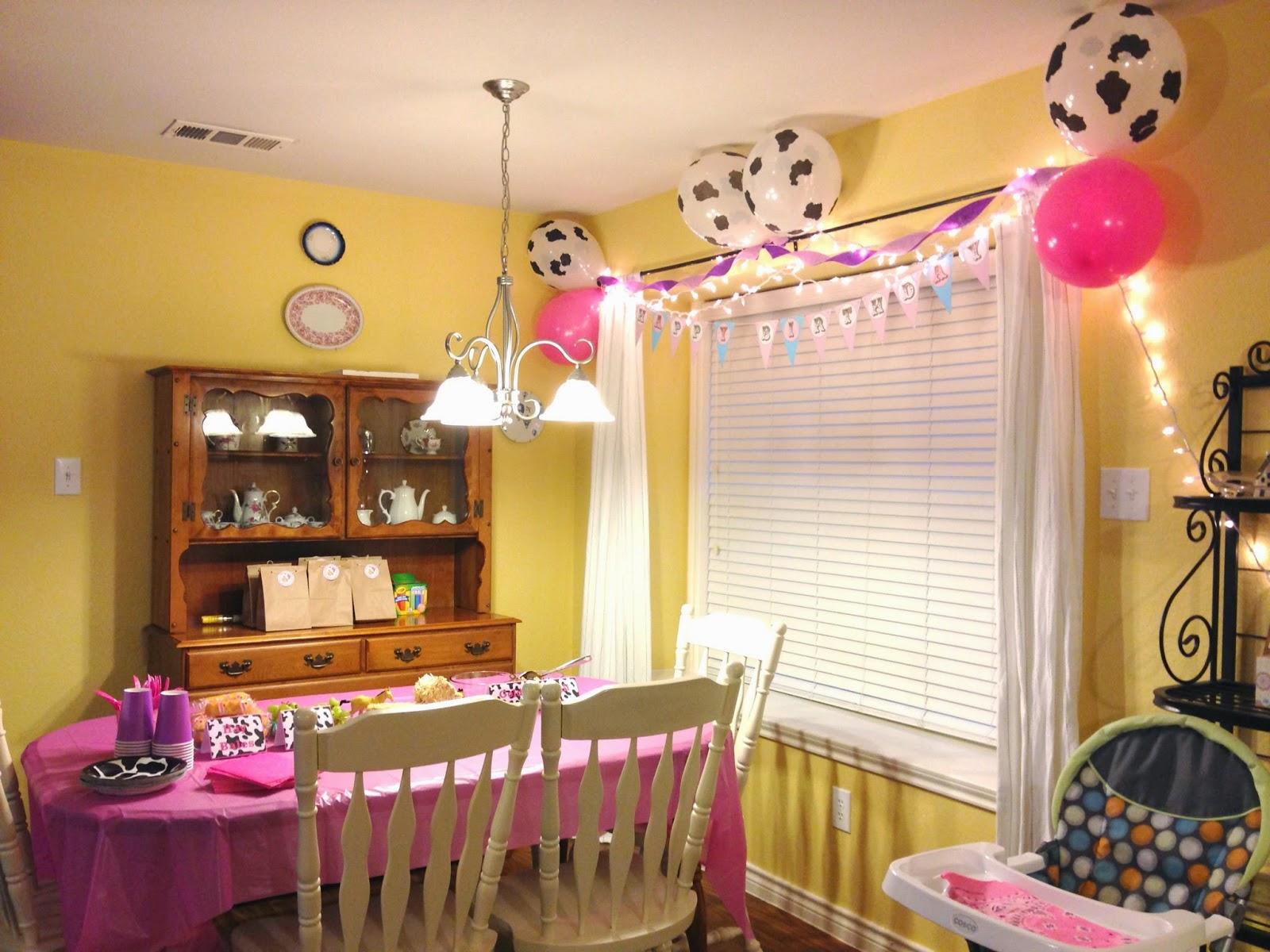 Cowgirl Birthday Decorations Cowgirl Birthday Party Amanda G Whitaker