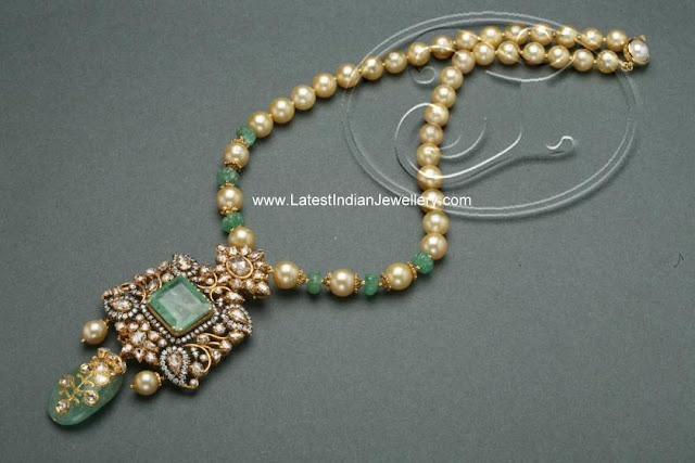 Indian Diamond Emerald Pendant