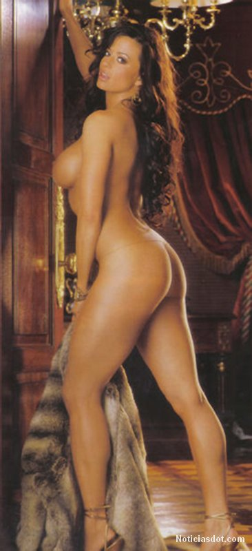 wwe diva candice michelle naked