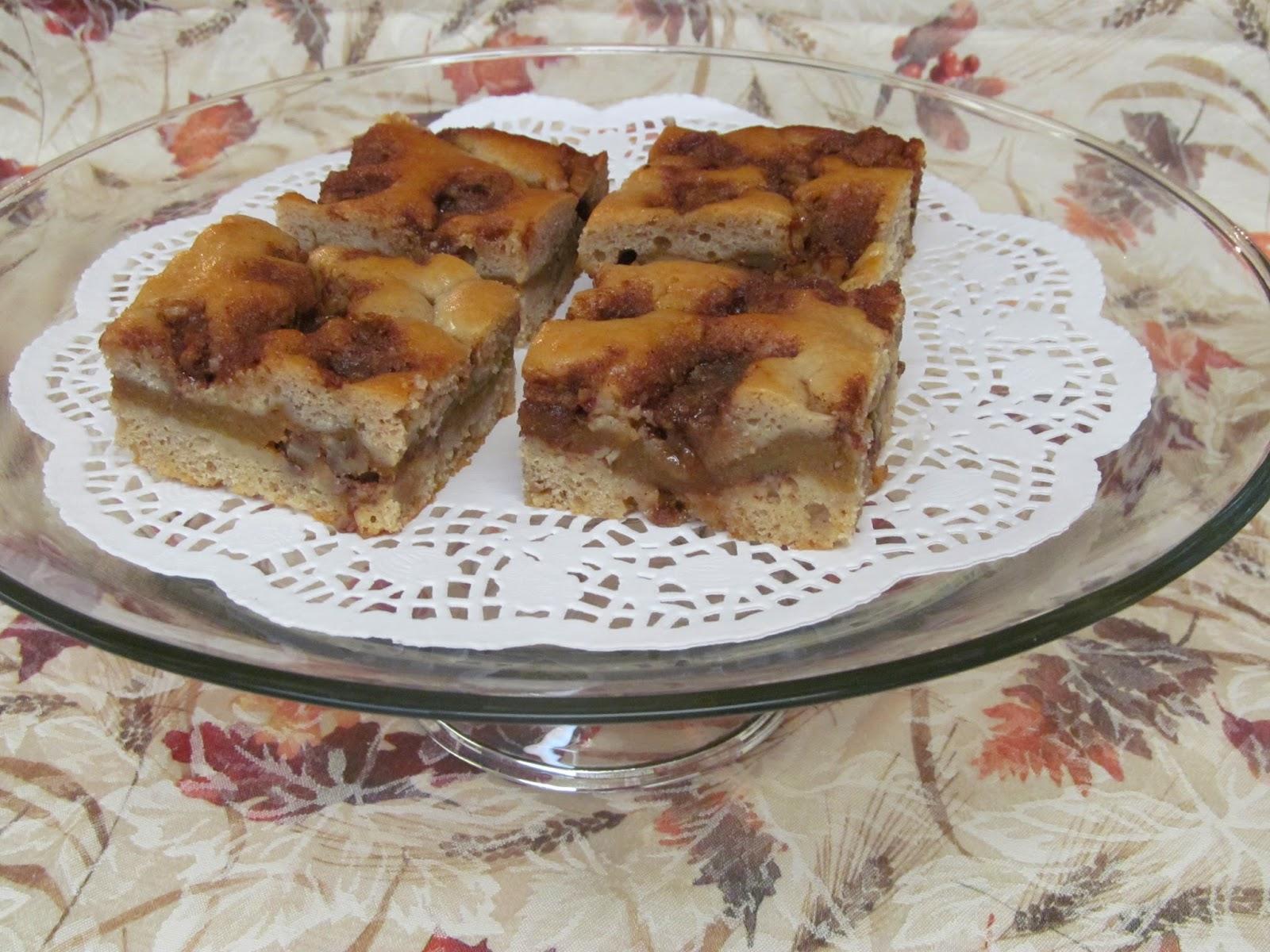 Home Joys: Flo's Cakes - Sour Cream Pumpkin Coffee Cake