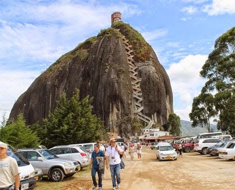 شاهد صور اكبر صخرة فى العالم