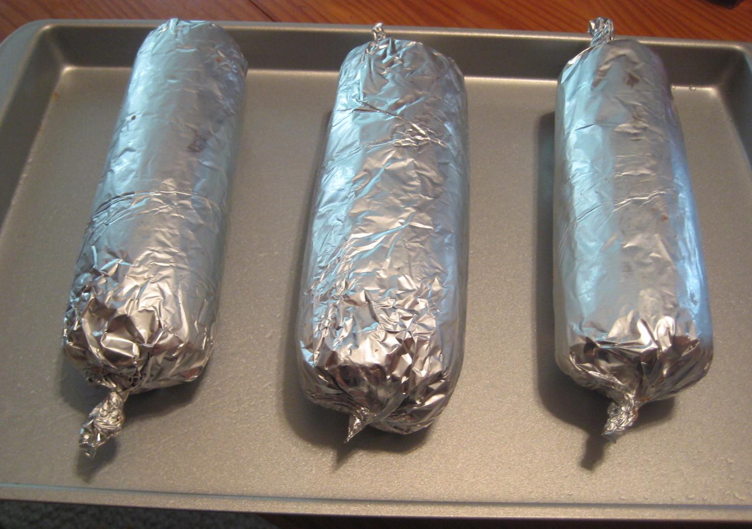 Как сделать домашнюю колбасу в духовке в фольге