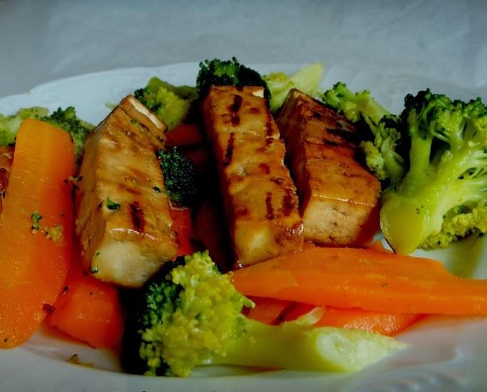 Tofu com Legumes (vegana)