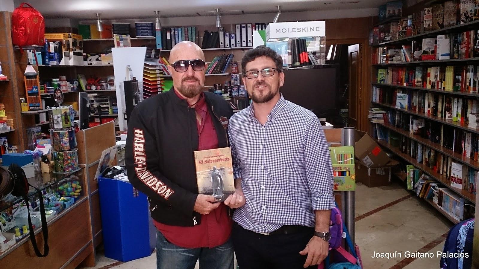 Librería Estruch. Orihuela. Con Pablo.