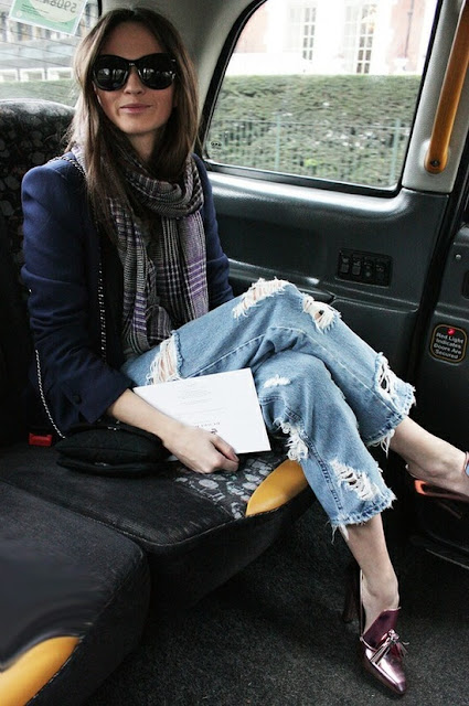 Boyfriend jeans with Red Oxford pumps and a checkered scarf for a British look