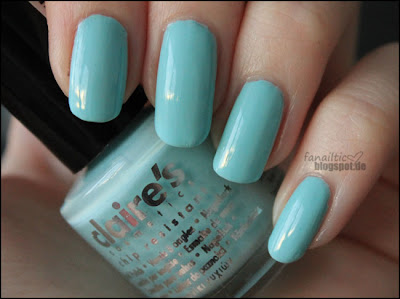 claire's mint green