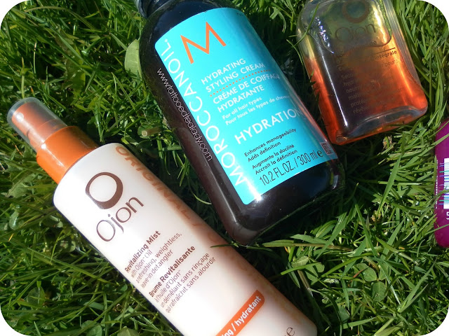 A picture of the MoroccanOil Hydrating Styling Cream