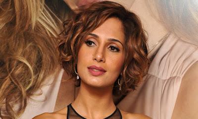 CABELOS CURTOS 2012 - Camila Pitanga