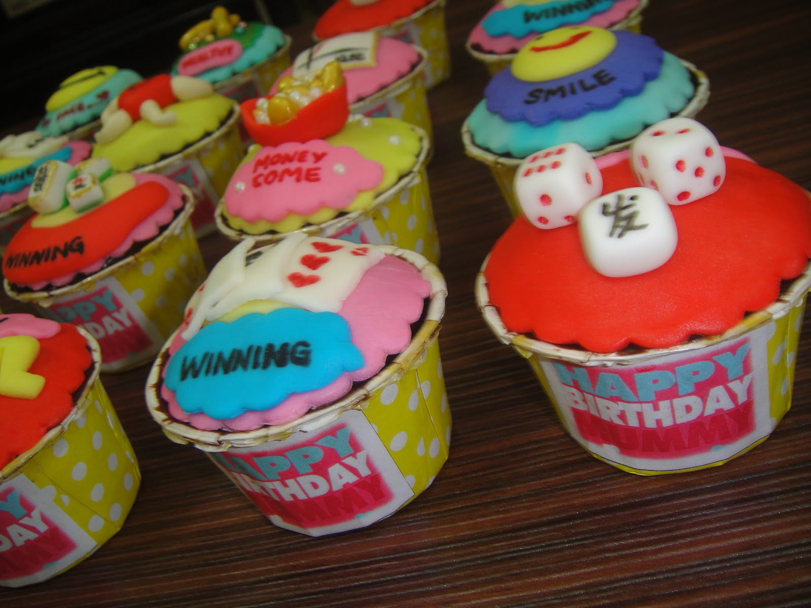 She Has Given Us An Opportunities To Arrange This Special Cupcakes For Her Beloved Mummys Birthday Happy You Aunty