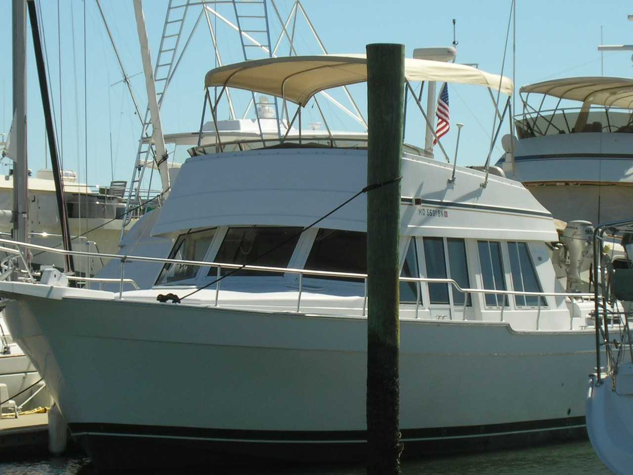 The owner of this beautiful 2002 43' Mainship Classic has reduced her price ...