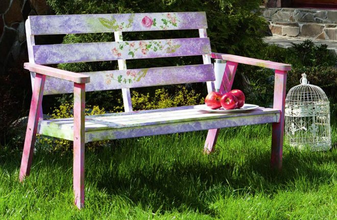 DIY Decoupage Furniture With Napkins Craft Projects