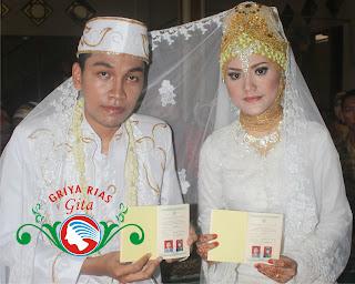 pengantin akad dengan jilbab melati