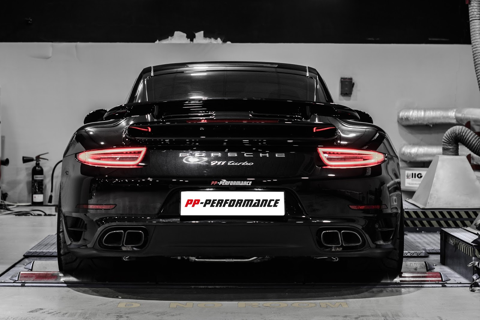 Pp Performance Tuned Porsche 991 Turbo Does 1 4 Mile In 9