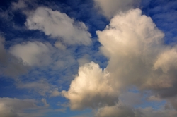 Mittagswolken...