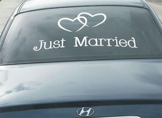 Decorando el auto de los novios cabeza de novia - Just married decorations for car ...