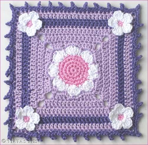 Free Crochet Pattern For Mug Rug : Natas Nest: Daisy Granny Mug Rug - Free Pattern