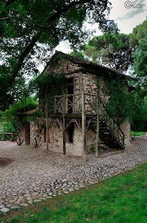 Casa de la Vieja en El Capricho. Fotografía de Daniel Salvador