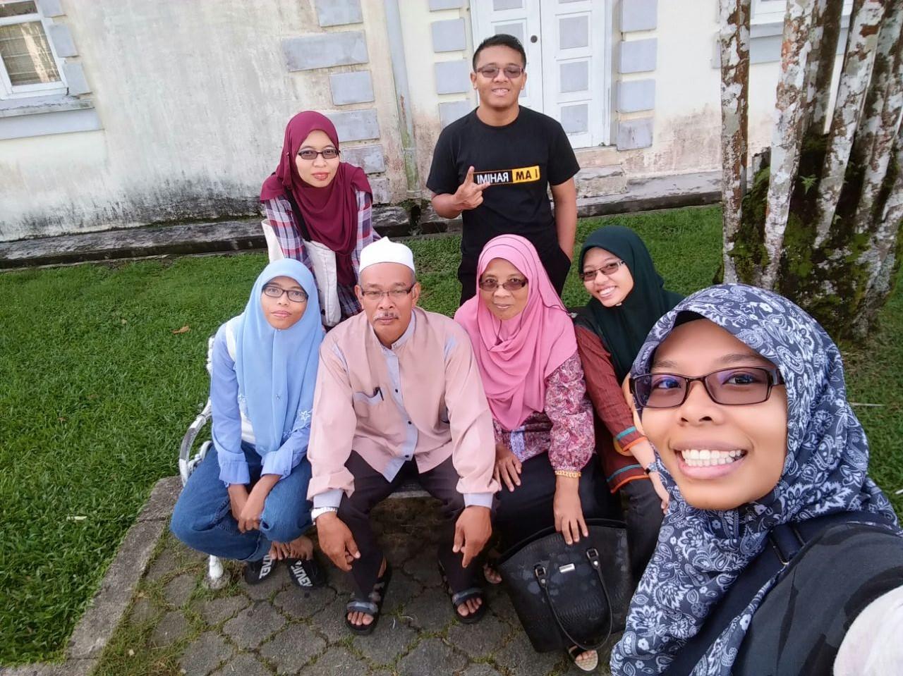 Le Familia.....