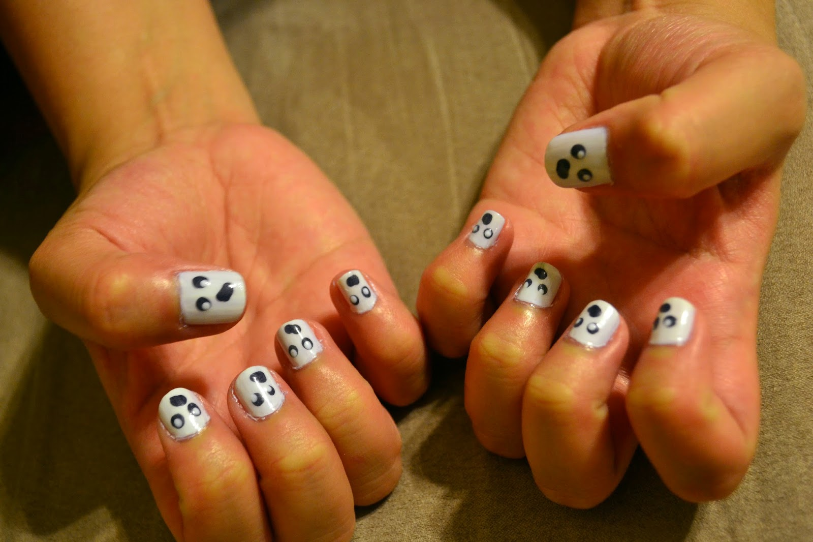 Crazy with Nails: Halloween Special: Glow in the Dark Ghost Nails