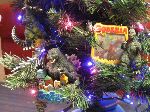 Godzilla holiday tree - Detail 1