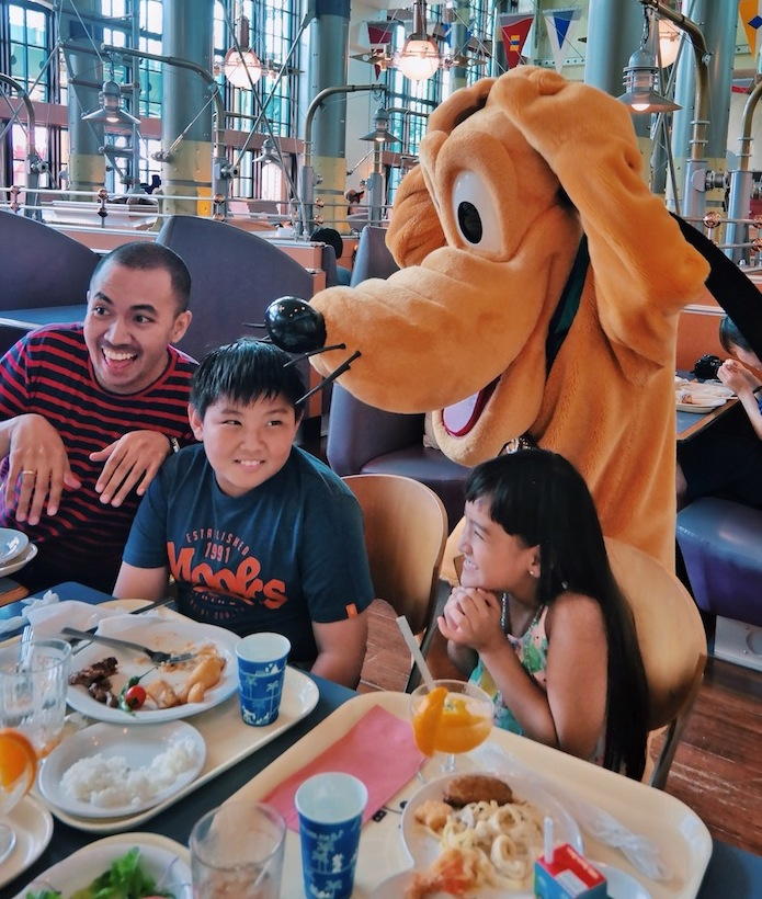 "<a href=""http://mataram.info/things-to-do-in-bali/visitindonesia-banda-marine-life-the-paradise-of-diving-topographic-point-inward-fundamental-maluku/"">Indonesia</a>best destinations : Dining Amongst Disney Characters At Tokyo Disneysea"