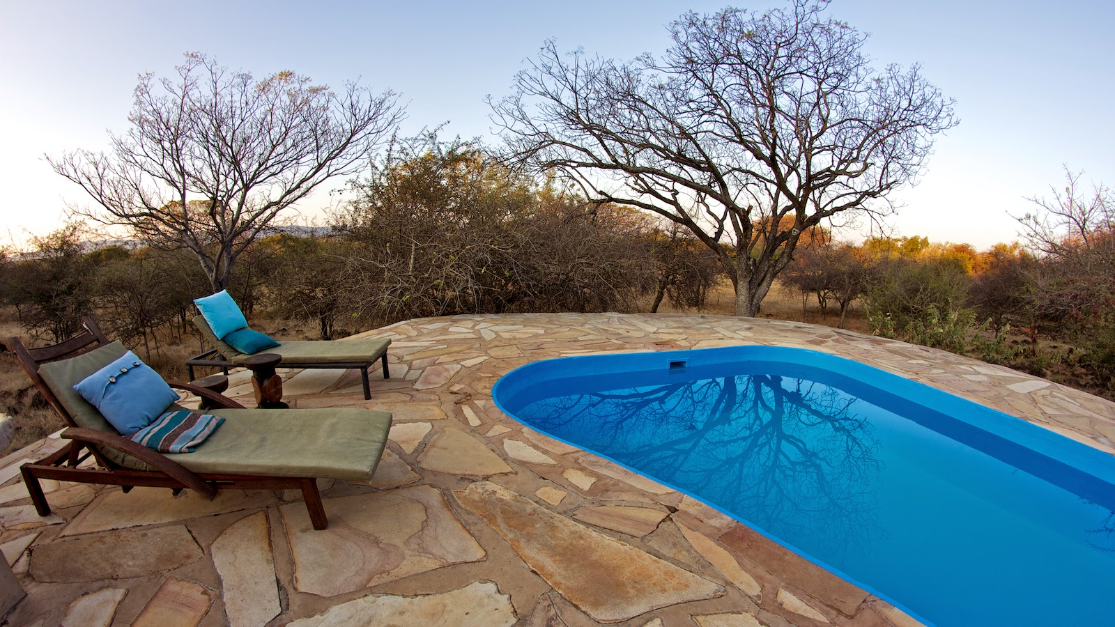 http://www.namibiareservations.com/ohange_lodge.html
