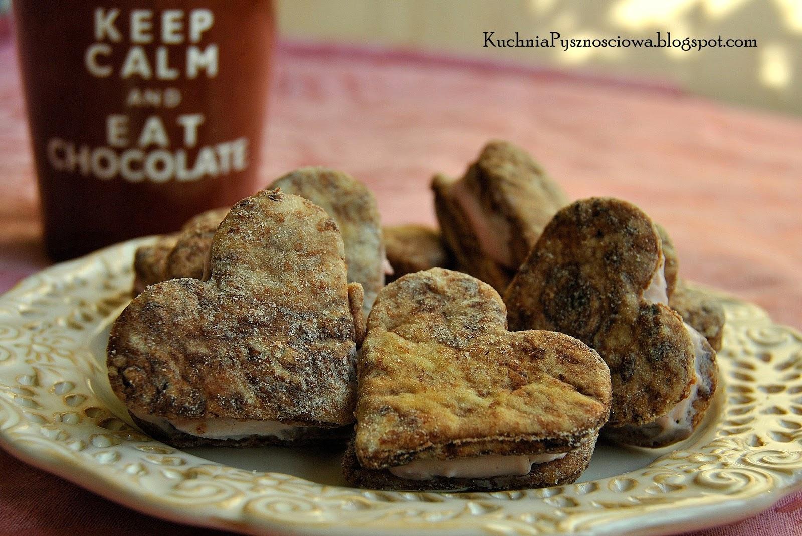 185. Walentynkowe markizy kakaowe z kremem malinowym