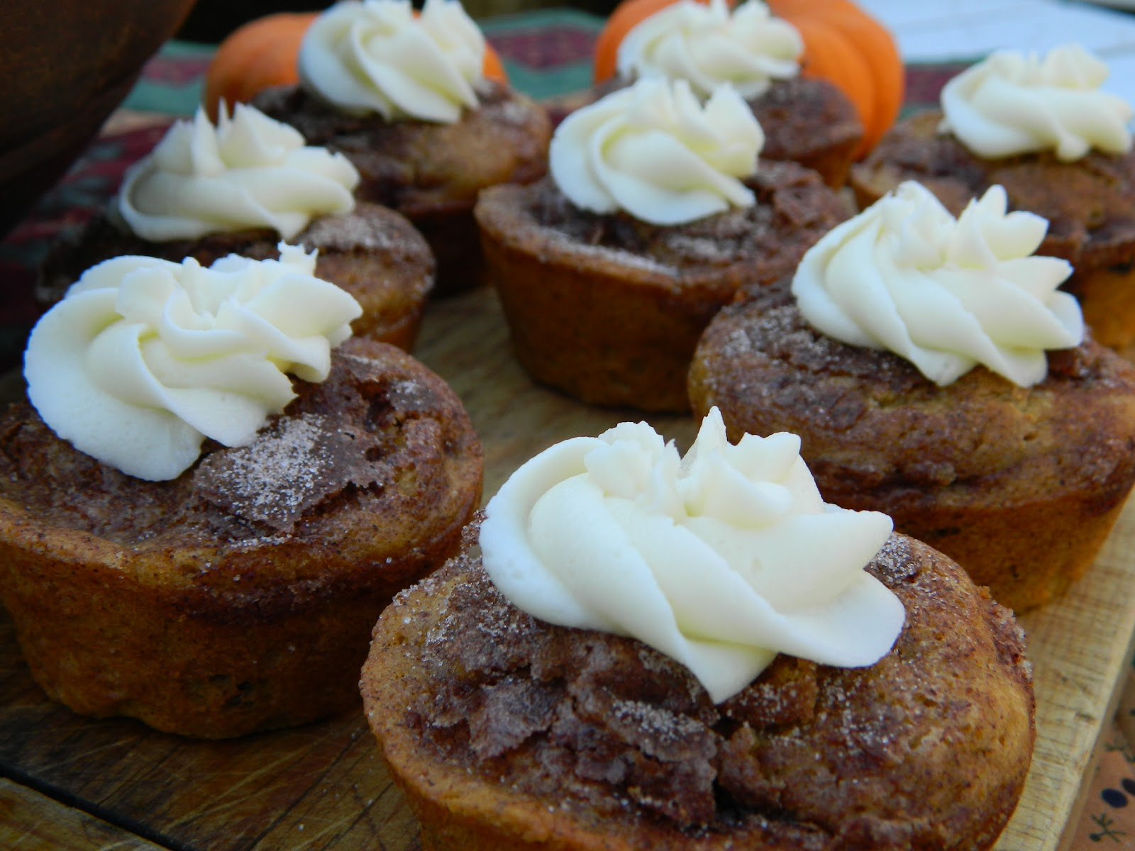 The Wednesday Baker: THE PIONEER WOMAN PUMKPIN SPICE MUFFINS