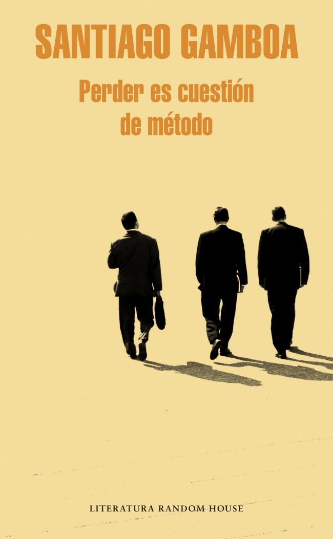 Una llamada a la policía no es un evento sobresaliente en la vida del periodista Víctor Silanpa. Sin embargo, ésta en particular habrá de resultar extremadamente perturbadora, no sólo por la brutal naturaleza del crimen -un cadáver empalado en las afueras de Bogotá-, sino porque en el curso de la investigación toda su vida dará un vuelco inesperado. Con Perder es cuestión de método Santiago Gamboa se adentra en un género que combina lo negro con la novela de aventuras y la crítica social, y el resultado es una obra que se aleja del tópico informativo para ofrecernos una visión de Colombia que deja a un lado a los generadores de violencia más conocidos del país, como el narcotráfico o la guerrilla, para prestar especial atención a la corrupción y otras formas de violencia más universales. Publicada en 1997, y llevada al cine casi una década después, esta novela marcó la temprana consagración de Santiago Gamboa como uno de los nombres fundamentales de la literatura colombiana contemporánea; con esta nueva edición, la recuperamos como un título imprescindible tanto de su autor como del género.