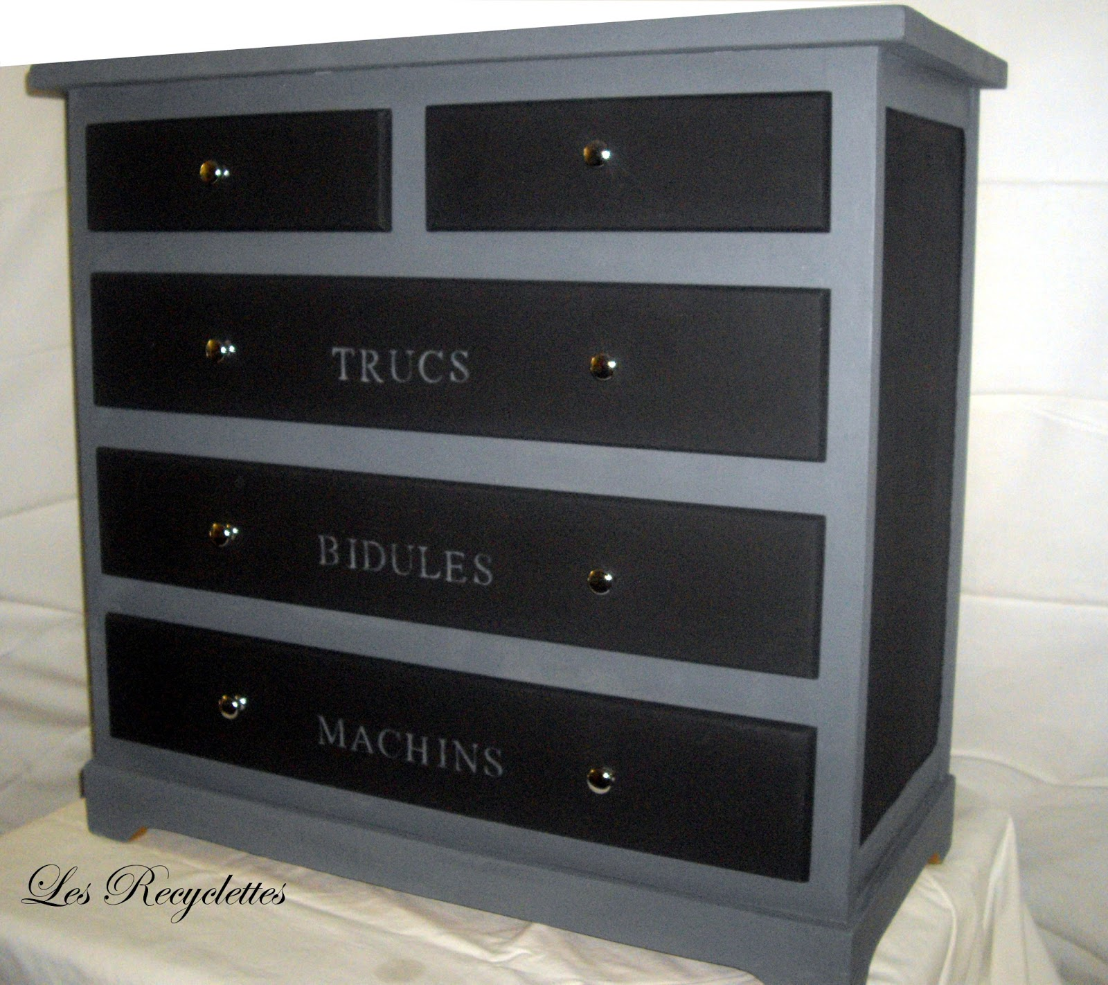 les recyclettes la commode ardoise bidule. Black Bedroom Furniture Sets. Home Design Ideas