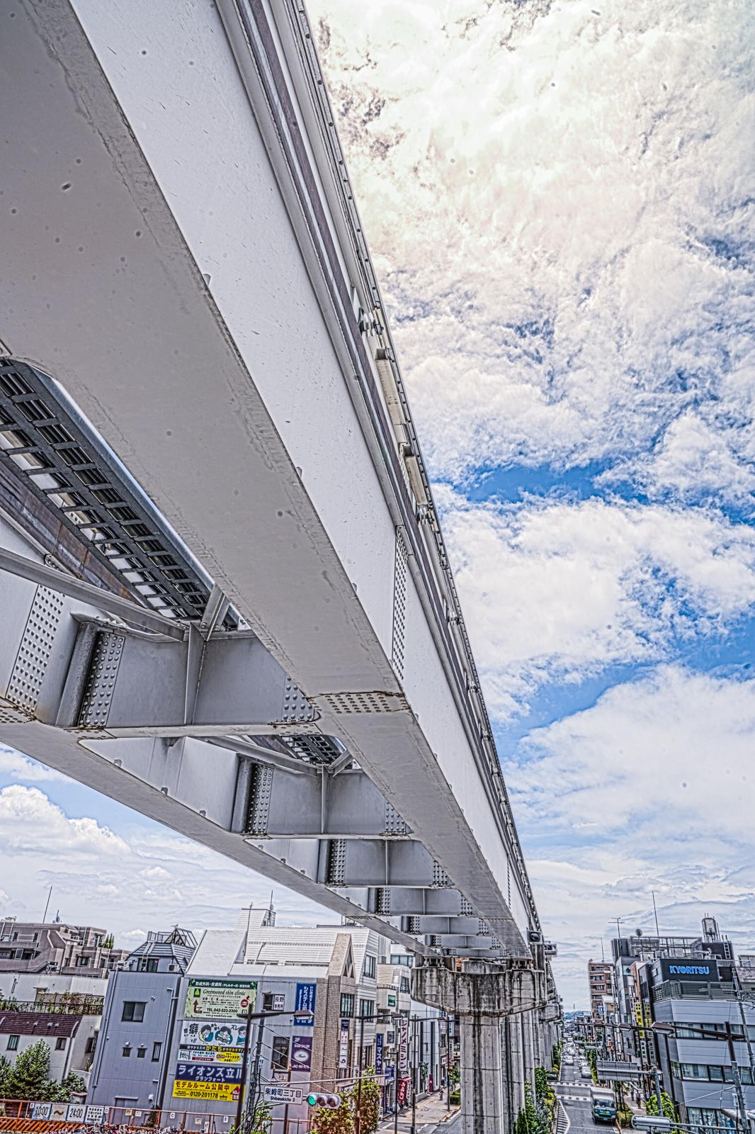 モノレールの高架線の写真 HDR
