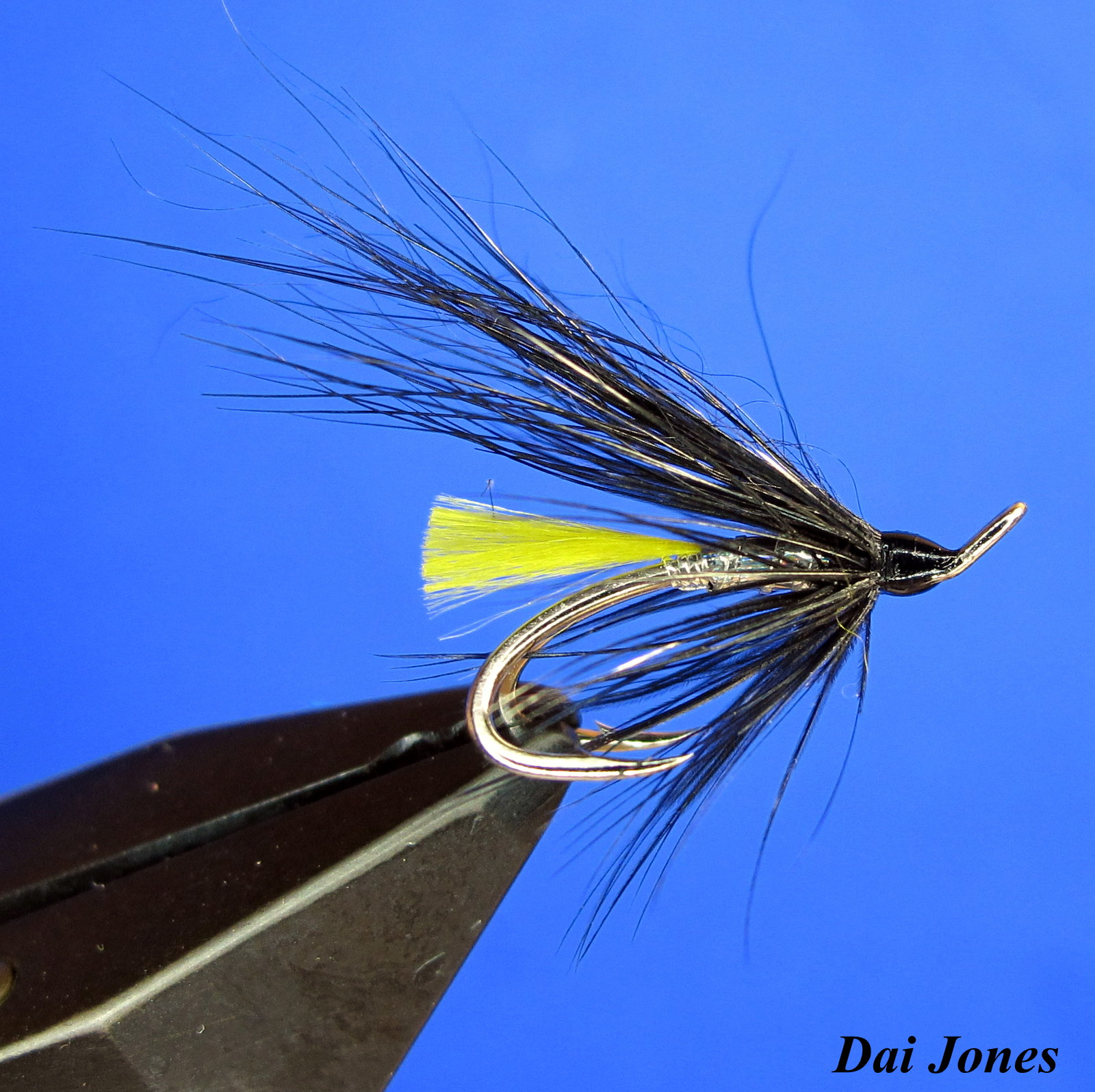 how to fish with flies