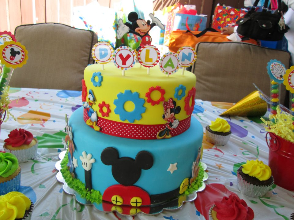 Mickey Mouse Clubhouse Cake Images : Bits N  Bytes: Mickey Mouse Clubhouse Cake