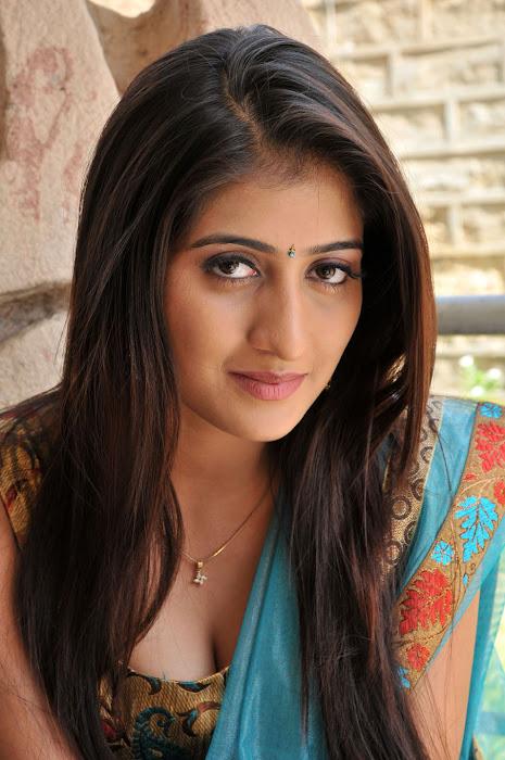 anisha singh from ayyare movie, anisha