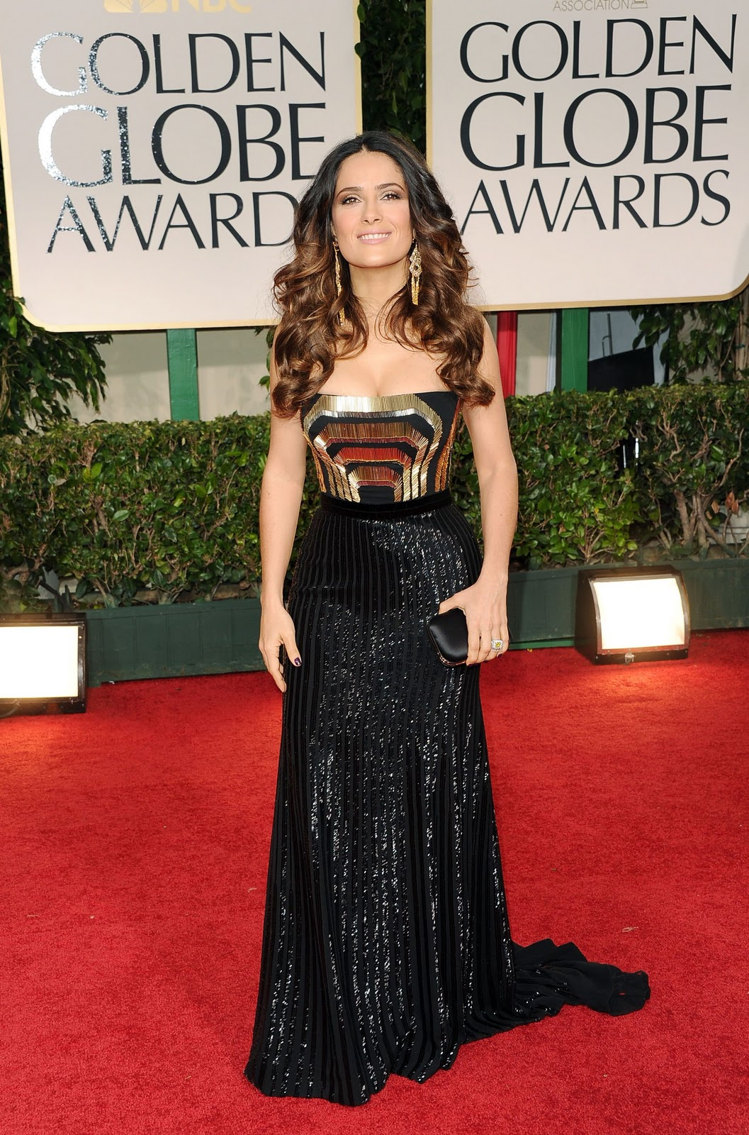 http://2.bp.blogspot.com/-zmTjZ64-1cw/TxNykugTy7I/AAAAAAAABow/Rdxxal_XdgU/s1600/CU-Salma+Hayek+arrives+at+the+69th+Annual+Golden+Globe+Awards-02.jpg