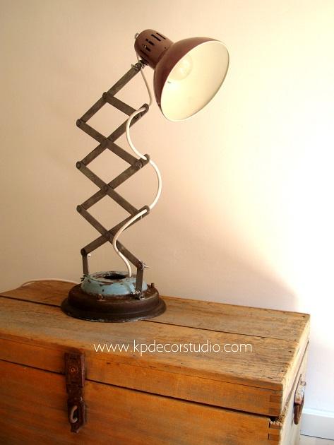 Tienda de lámparas artesanales recicladas en valencia, estilo industrial y vintage
